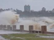 """La Dirección Nacional de Meteorología emitió hoy una advertencia de nivel naranja por """"tormentas fuertes y precipitaciones copiosas"""" para todo el país."""