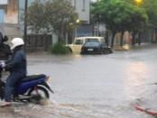 Lluvias intensas este martes en la ciudad de Salto. Foto: Luis Pérez
