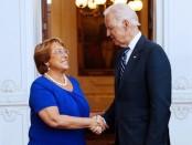 El vicepresidente de los EEUU, Joe Biden, felicitó personalmente a la nueva presidenta de Chile, Michelle Bachelet.