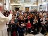 """11 de abril de 2014. Francisco recibió en el Vaticano a los integrantes del grupo italiano anti aborto """"Movimiento Per la Vita"""""""