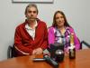 Natalia y su esposo, el día que recibieron su dinero en Consorcio del Uruguay